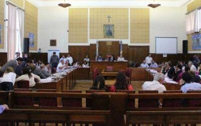 Pulti comienza a poner en juego la mayoría en el Concejo