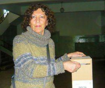 Adriana Gonz�lez gan� la interna radical