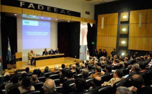 - nota-930725-empresarios-funcionarios-debatieron-sobre-fiscalizacion-transporte-cargas-130812070440