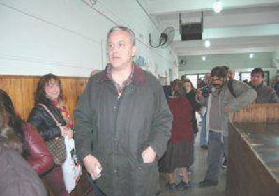 Fay obtuvo más de 14.000 votos, García sacó la minoría; Traverso: 12.740 sufragios