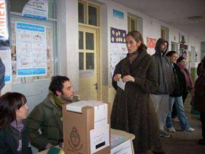 """Agustina Ayllón: """"Esperamos obtener la cantidad de votos para ocupar las bancas y poder defender la ciudad"""""""