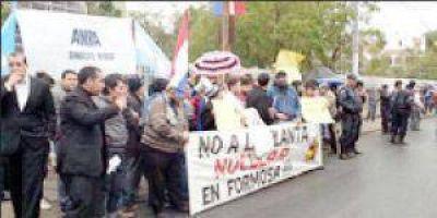 Paraguay: Se manifestaron contra reactor nuclear Carem