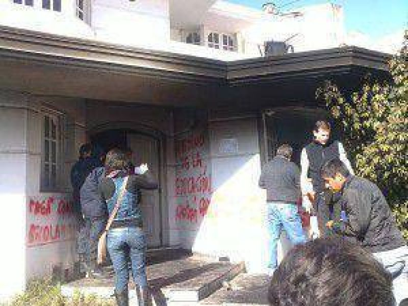 Gremios de Jujuy repudian represión a docentes por parte del gobierno de Eduardo Fellner