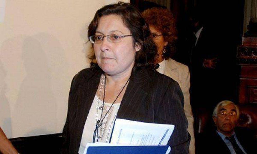 """Graciela Ocaña advirtió que """"gente de Moyano"""" quiere su ministerio"""