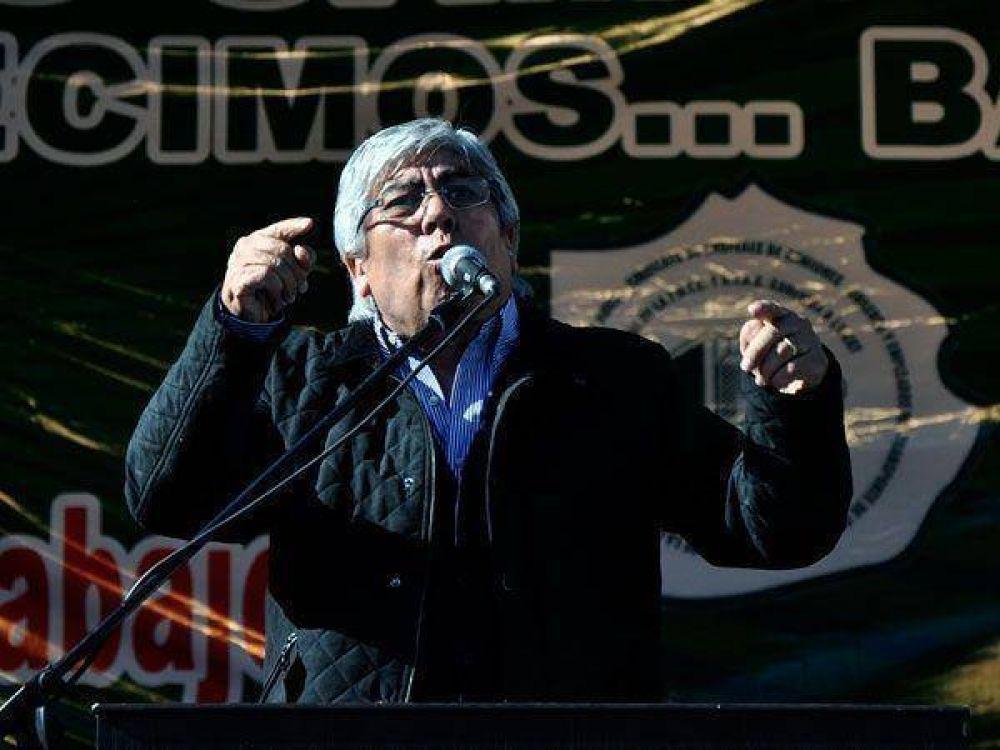 Hugo Moyano evitó la foto con De Narváez y se mostrará con Pereyra