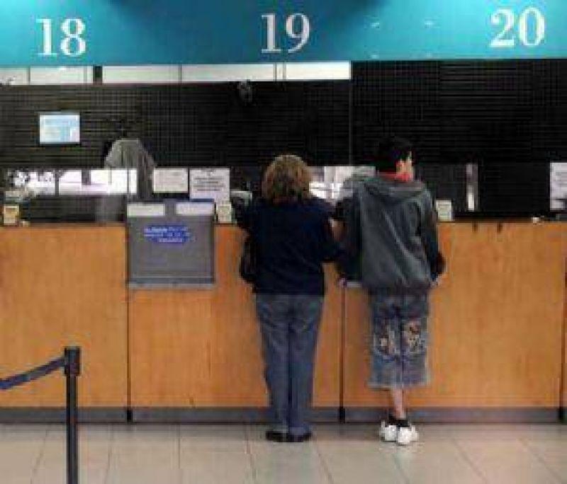 Por un paro nacional mañana los bancos trabajan 3 horas