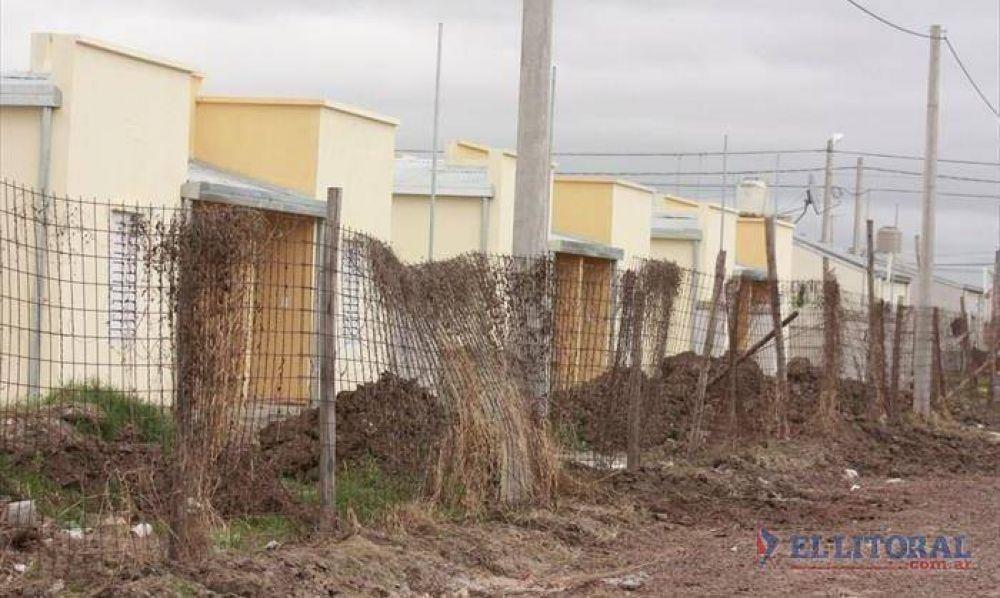 Buscan que Moyano participe de la entrega de las 100 viviendas de la CGT