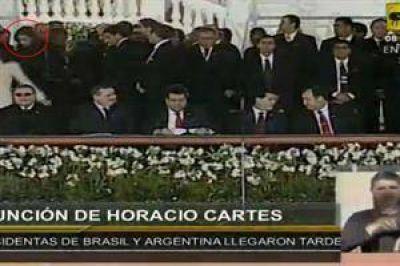 Cristina Kirchner también llegó tarde a la asunción de Horacio Cartes
