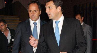 Scioli echó a dos funcionarios de su gestión por su vínculo con el intendente de Tigre, Sergio Massa