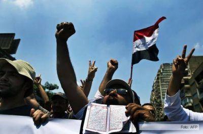 Miles de personas salen a la calle en Egipto y ya hay nuevas víctimas