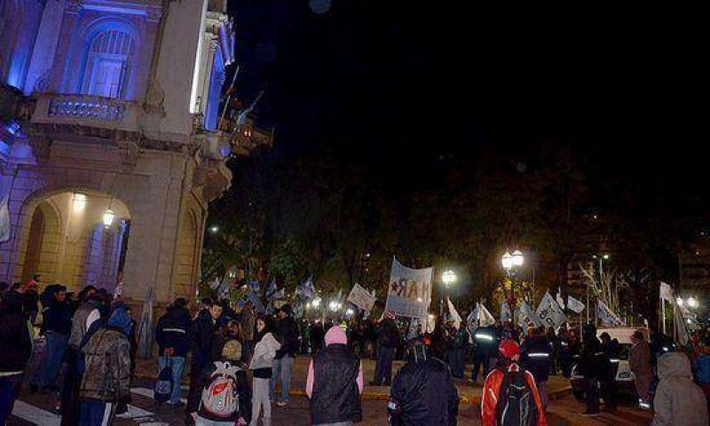 Portuarios se manifestaron frente al municipio Preocupados por un proyecto que impulsa el traslado de Euroamérica