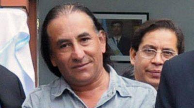 El intendente hallado en un prostíbulo de Salta estaba desnudo con dos mujeres