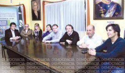 """Oscar Romero: """"Massa no tiene nada que ver con el proyecto nacional y popular"""""""