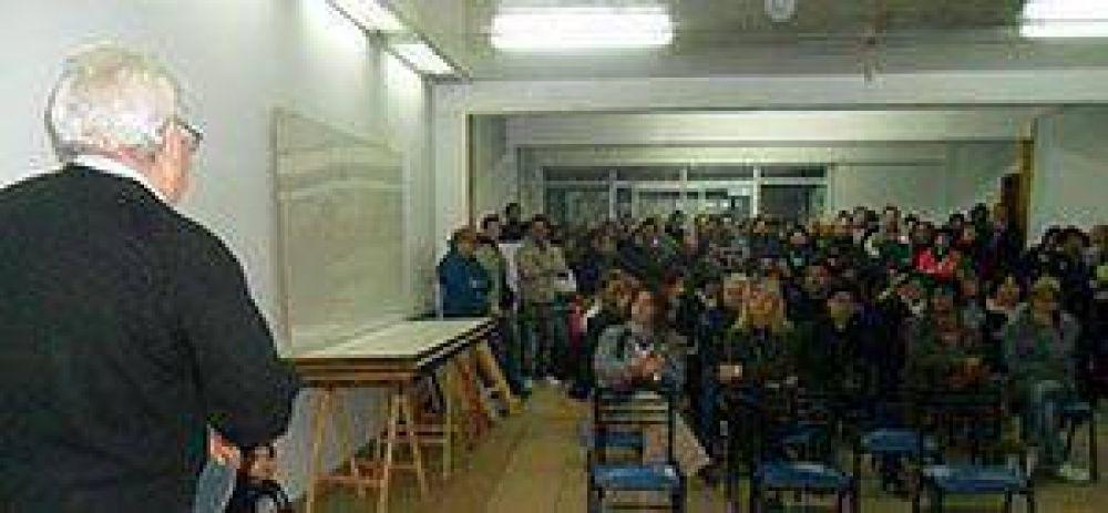 Municipales consiguieron el 25% de aumento para destajistas y docentes