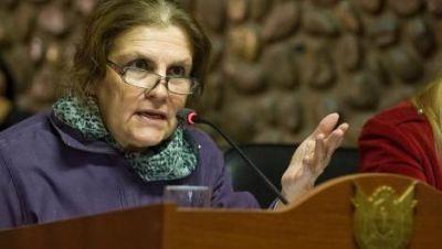 """""""La Gobernadora premió al ministro más ineficiente"""""""