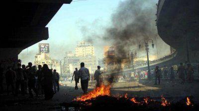 Suman más de mil los muertos en Egipto y siguen las protestas