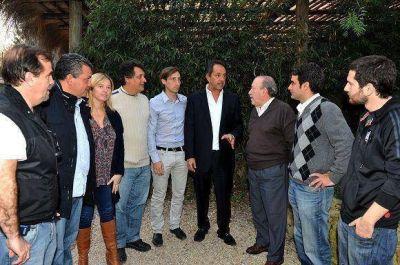 Scioli recibió a cuatro candidatos a concejales del FPV en la zona norte