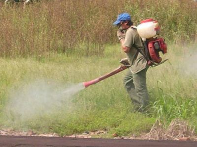 Prohíben usar agroquímicos en espacios urbanos públicos y privados
