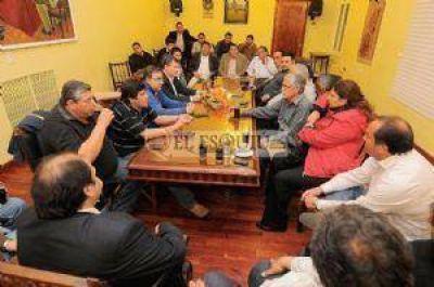 """""""Pocho"""" Sáenz se encargará del contacto con los intendentes"""