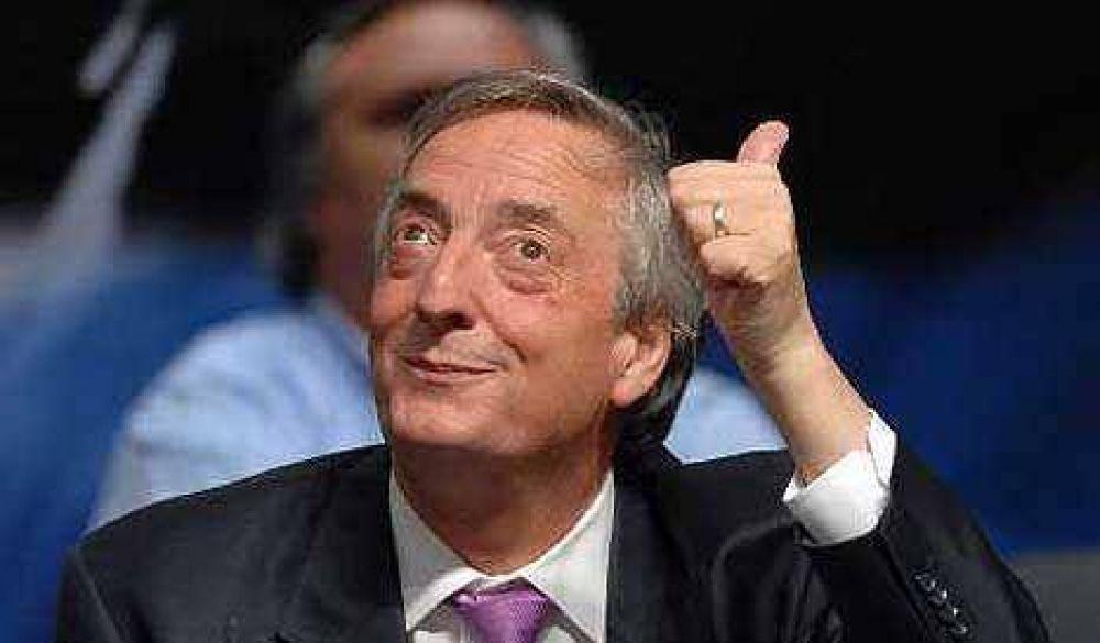 Ministros, recursos y propaganda oficial para la campaña de Kirchner
