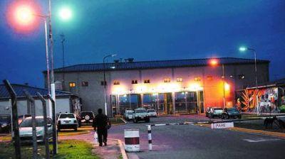 Se fugaron 13 presos y cayó el jefe del Servicio Penitenciario