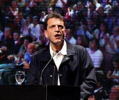 El massismo propondrá limitar la reelección de los intendentes