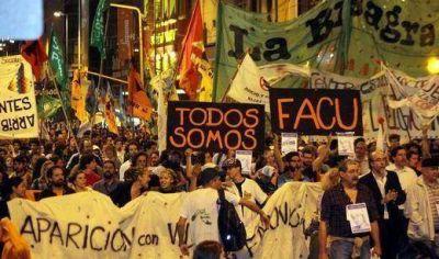 """Con críticas a De la Sota, marcharon para reclamar por el """"Rubio del Pasaje"""""""