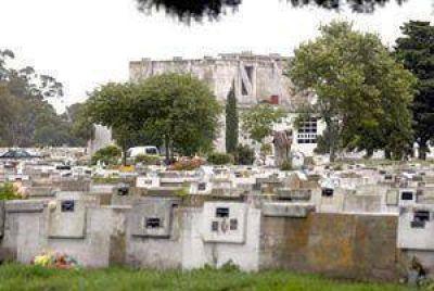 Aprueban proyecto para incorporar sillas de ruedas en los cementerios municipales