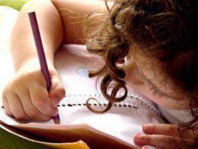 Se plantea escolarizar para el 2016 al 100% de los niños de cuatro años