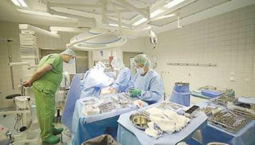 Piden que el Gobierno resuelva el conflicto entre sanatorios y prepagas
