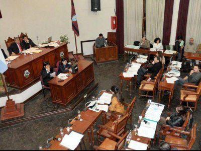 Los ediles critican por la falta de control al Gobierno y el municipio
