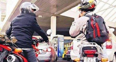 El Concejo prohibirá la venta de combustible a motociclistas sin casco