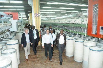 Delegados de los países de África Subsahariana visitaron planta textil