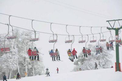 Llegó el acuerdo y habrá plan municipal de esquí en el Chapelco