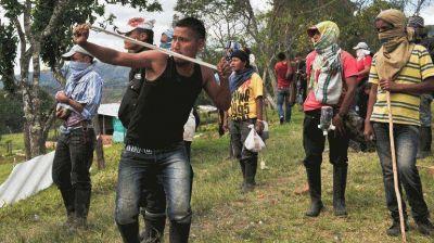 Colombia: tercer d�a de huelga agraria dej� 100 detenidos y 82 polic�as heridos