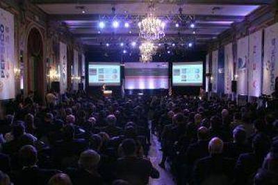 Diálogo de Cristina con empresarios desplazó interés por políticos en Council of the Americas