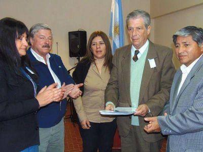 """Declararon """"ciudadano ilustre"""" a Luis Grenni"""