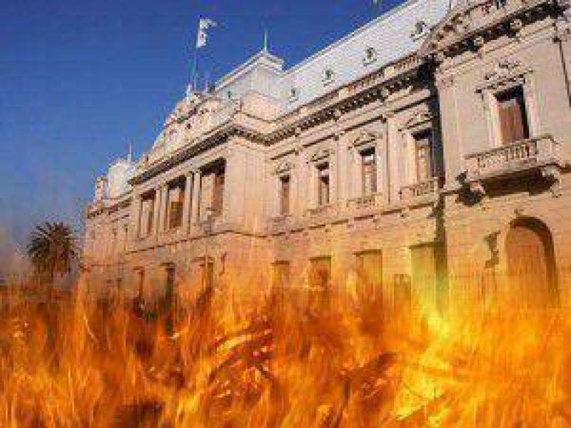 Por la falta de convocatoria del gobierno de Fellner: el Frente de Gremios Estatales parará por 24 horas el próximo lunes