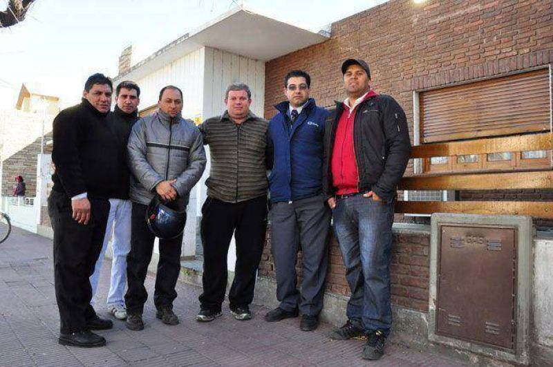 Colectivos: UCRA rechaza el acuerdo y sólo firmaron 27 trabajadores