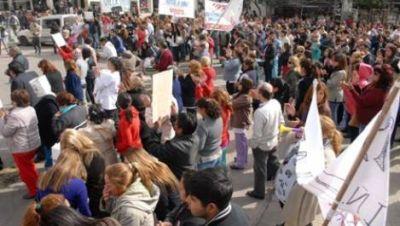 Crece el enfrentamiento entre los trabajadores de salud y el Gobierno