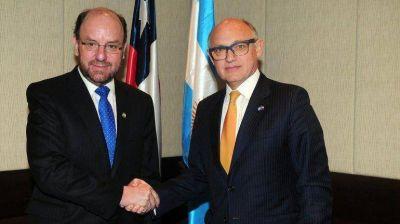 Desde Chile, Timerman se mostró confiado en que LAN se quedará en la Argentina