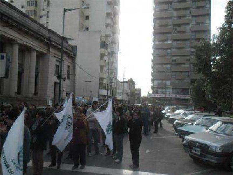 Agmer y ATE se movilizaron en Concepción del Uruguay