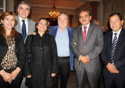 La Gobernadora Lucía Corpacci asiste a reunión de integración con Chile