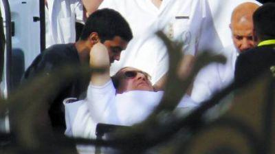 """Mubarak salió de la cárcel y temen en Egipto un nuevo """"viernes de ira"""""""