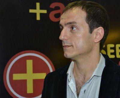 """""""Una de las prioridades es seguir sumando profesionales y técnicos a nuestro equipo"""", aseguró Abella"""