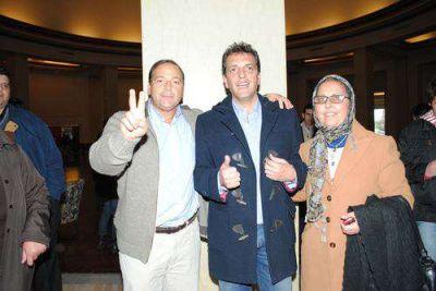 Petruccelli se reunió con Sergio Massa en Mar del Plata