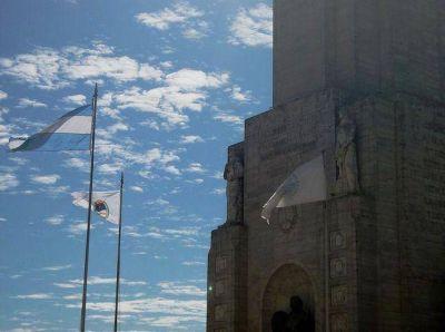 En Rosario recordaron el Éxodo Jujeño e izaron la Bandera Nacional de la Libertad Civil