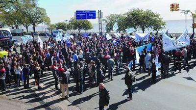 LAN: un sector gremial convocó a un paro para el jueves en todo el país