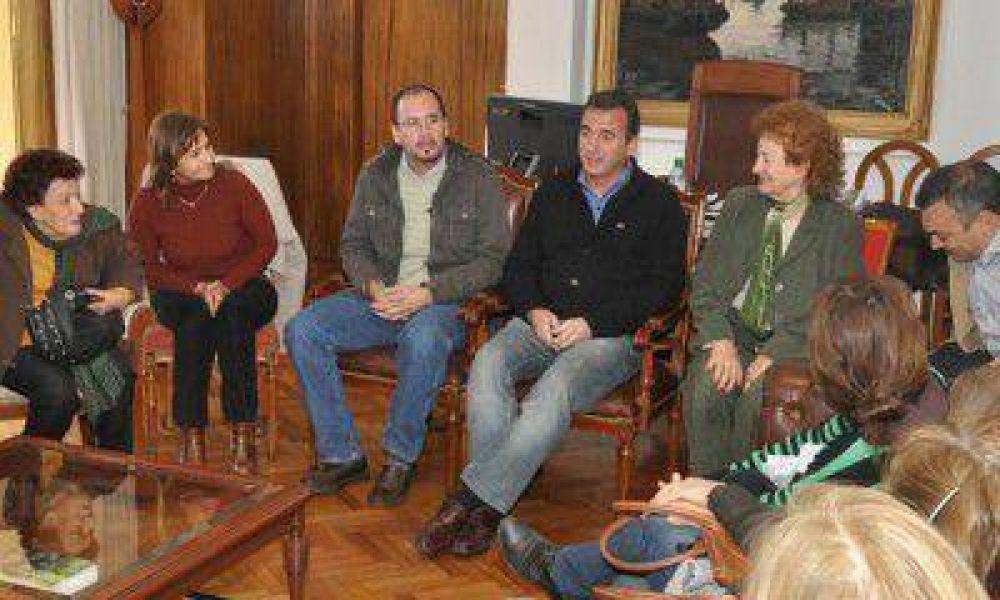 Con Francisco Pérez presente, el Gobierno se reunió con los representantes del SUTE