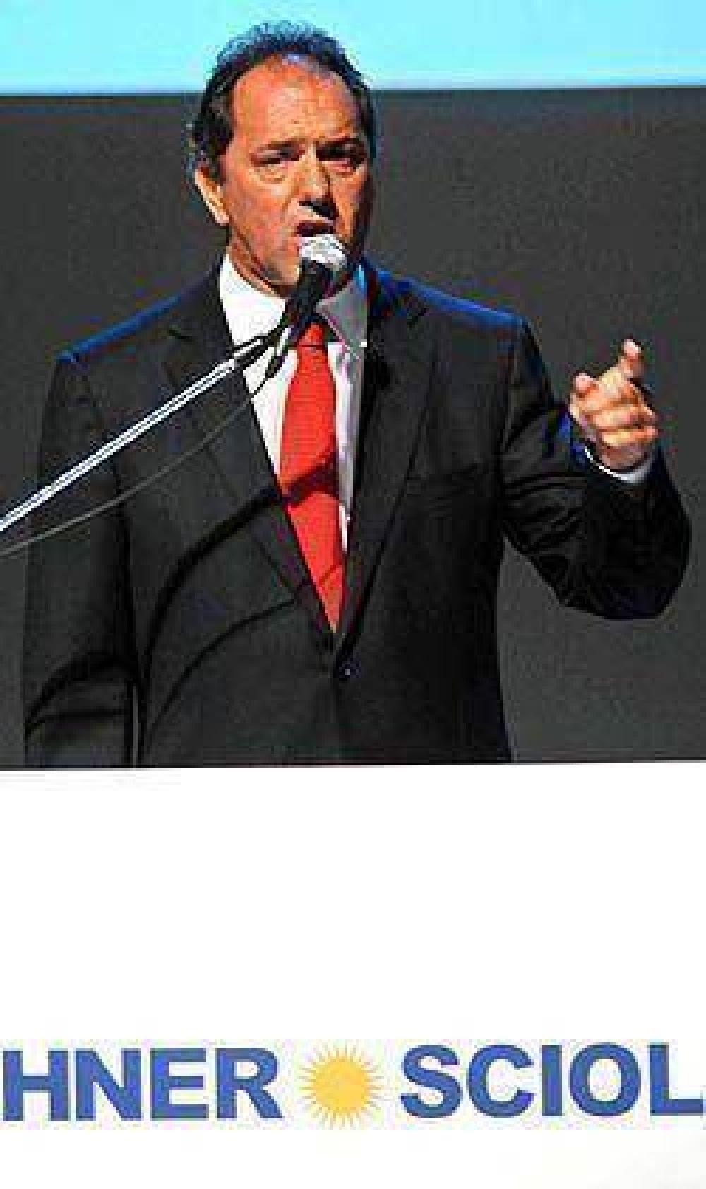 """Scioli, pidió """"un voto de confianza"""" a los bonaerenses"""